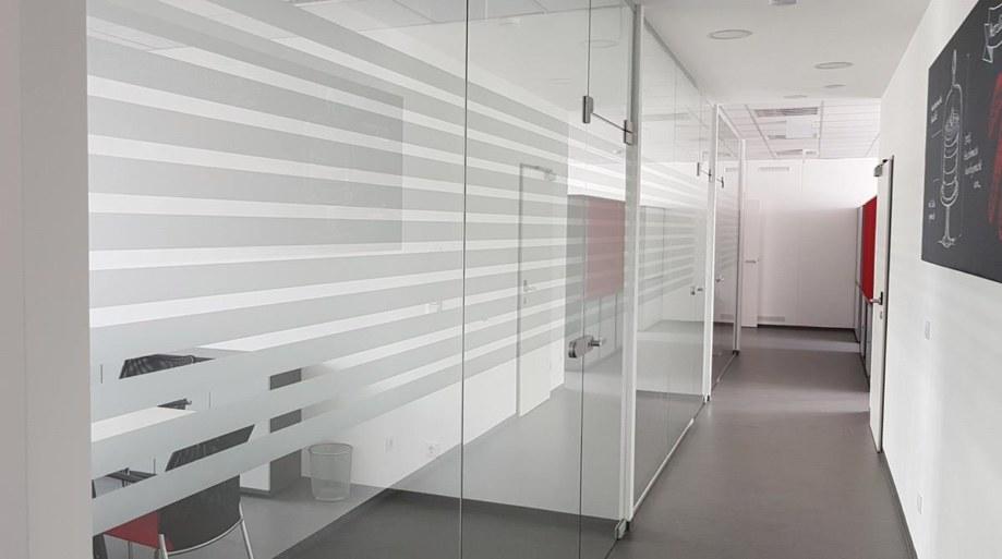 Werkstatt fullspectrum - Bürobeschriftung für Konditorei Nöbauer
