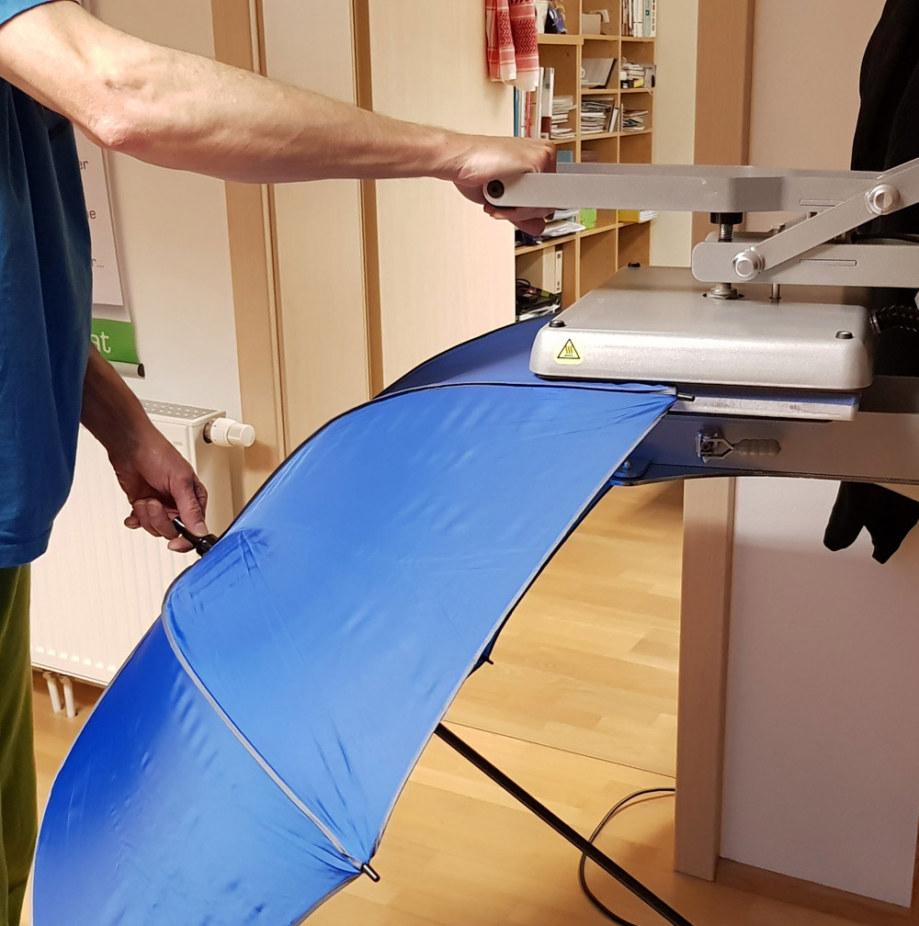 Werkstatt fullspectrum - Regen/Sonnenschirme für Eventwolken