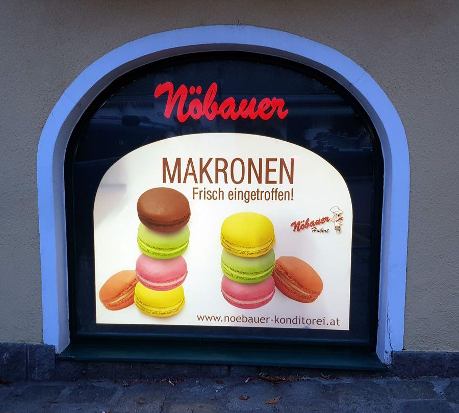 Werkstatt fullspectrum - Fensterbeschriftung für Konditorei Nöbauer